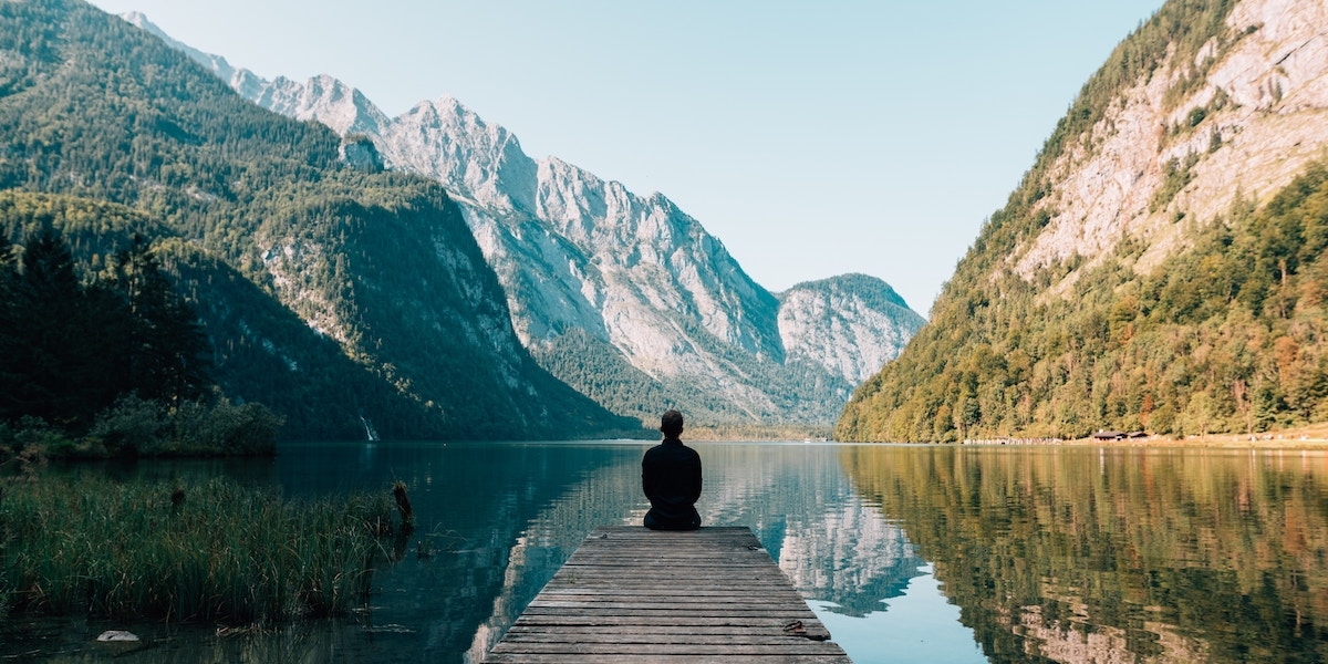 How Meditation Helped This News Anchor Recover from Addiction | Heleo