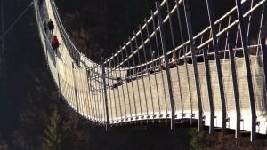 suspension-bridge-1171119_1920