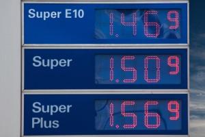 gasoline-prices-206098_1920