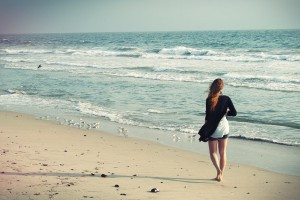 beach-woman-1149088_1920